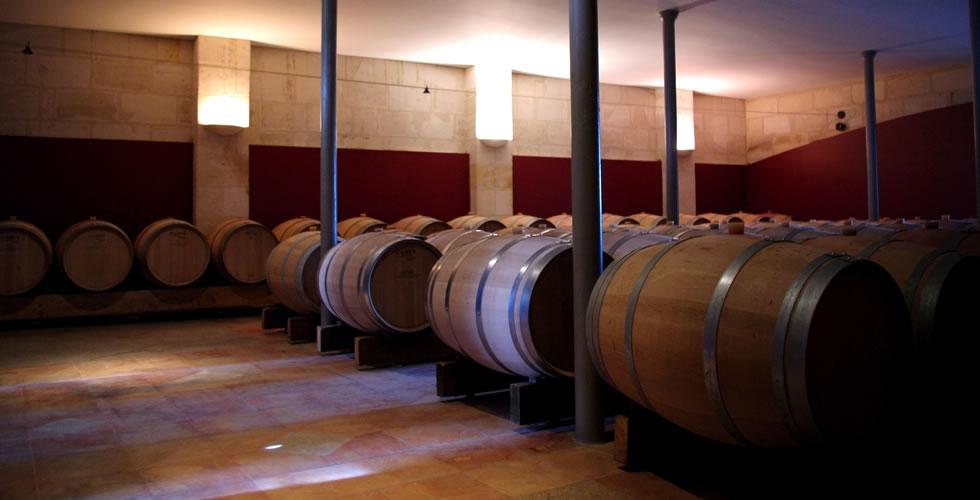 Chai à barriques du Château Le Pic